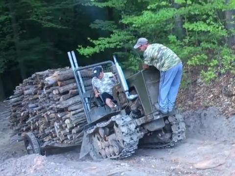 Hrabri,ludi,neuništivi traktoristi